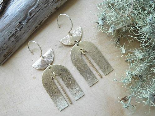 WS Gold Half moon u shape earrings