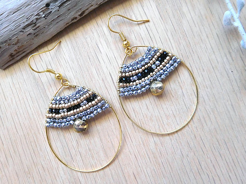 Pyrite black spinet gold hoop earrings