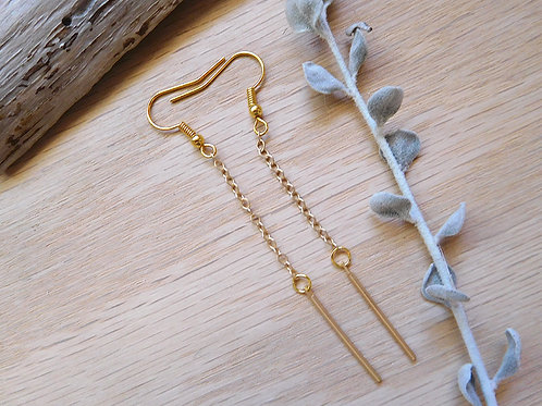 WS Tiny gold bars on delicate gold chain