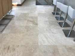 Travertine Ivory 18x18