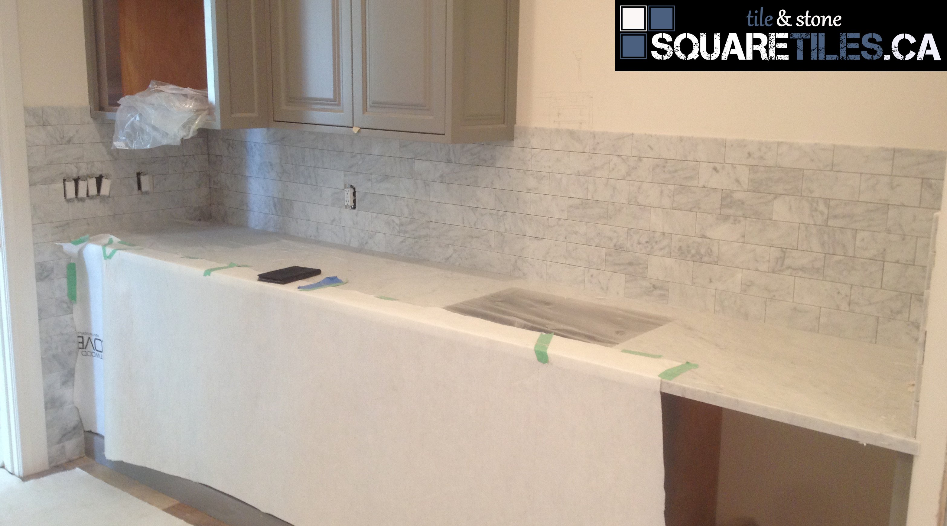 marble subway backsplash