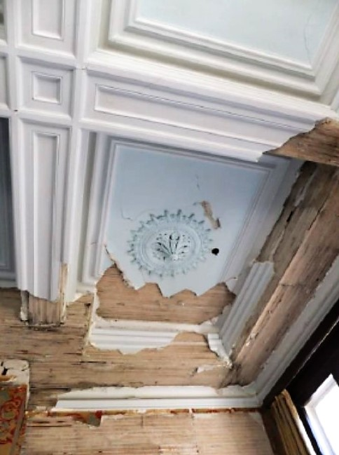 Partial collapse of ceiling plaster