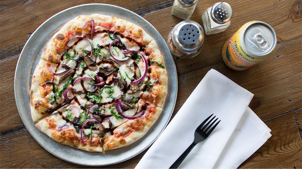 bbq chicken pizza 2.jpg