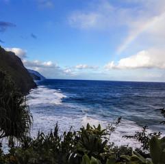 Hiking on the shore = Rainbow