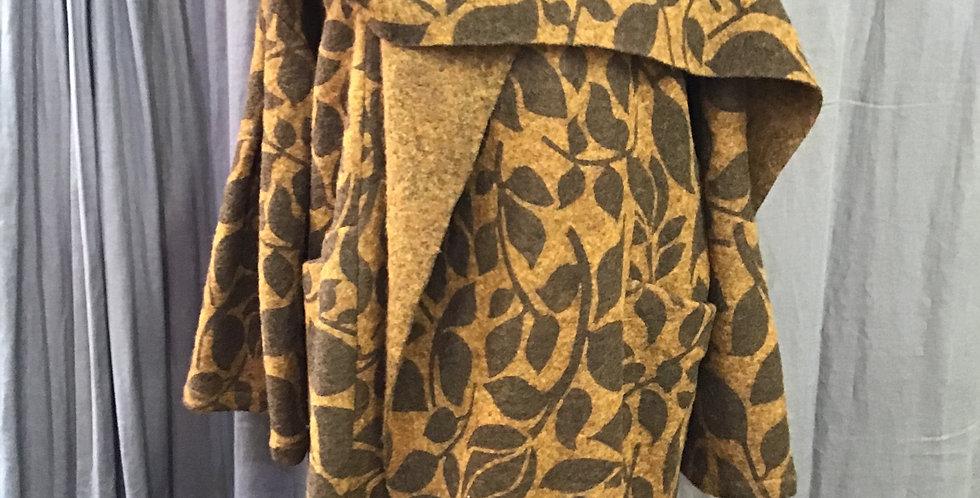 Wu Side Collared Shawl Coat