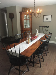 Dimes Table Chairs