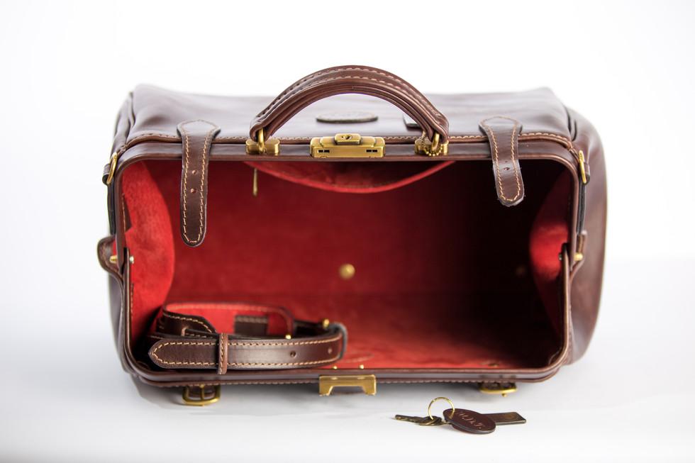 Gladston bag by Julien Borghino