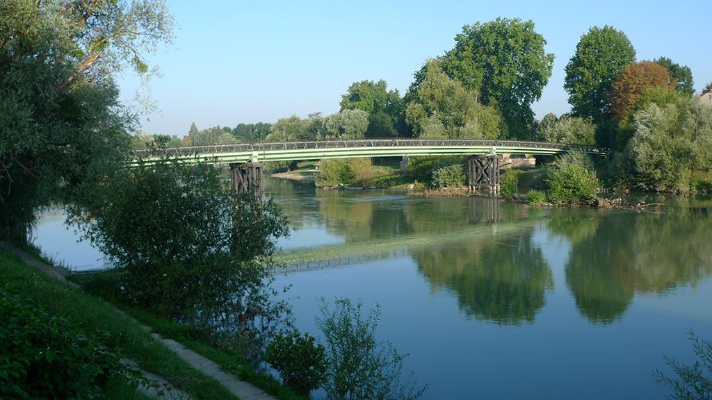 Chelles - Passerelle sur la Marne