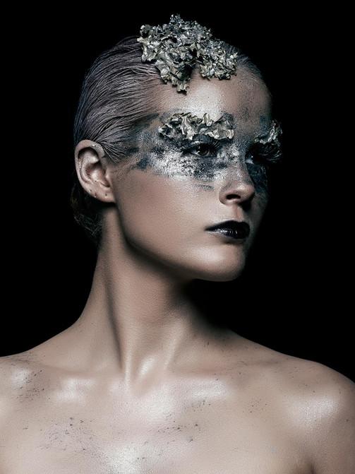 silver_girl_sm.jpg