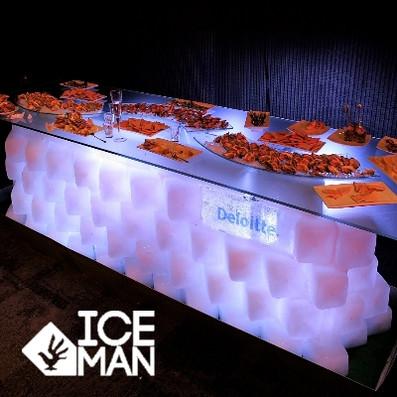 Mesa Tallada en Hielo Deloitte IceMan Ch