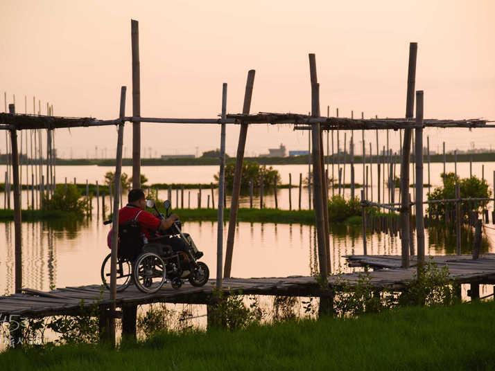 成龍濕地藝術觀景平台