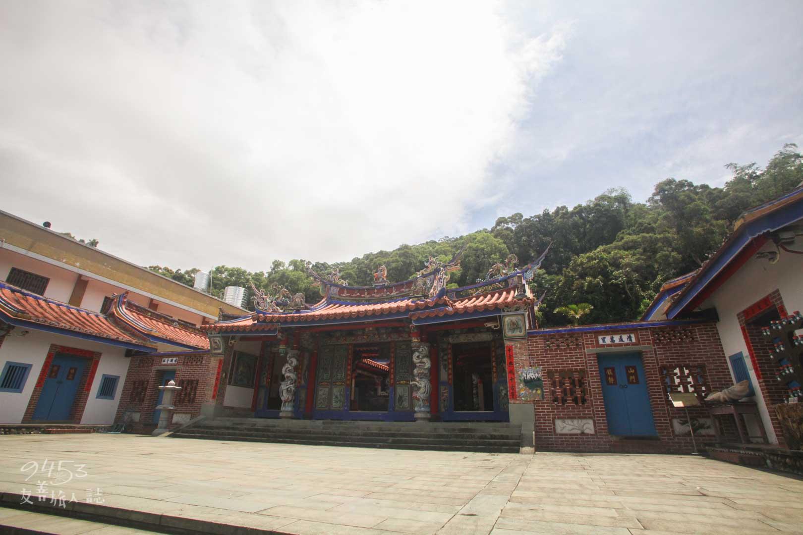彰化清水岩寺外觀
