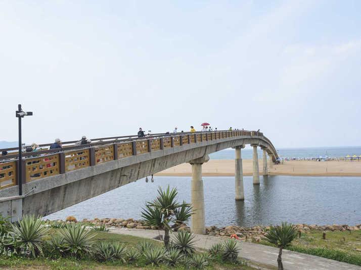 福隆海水浴場彩虹橋