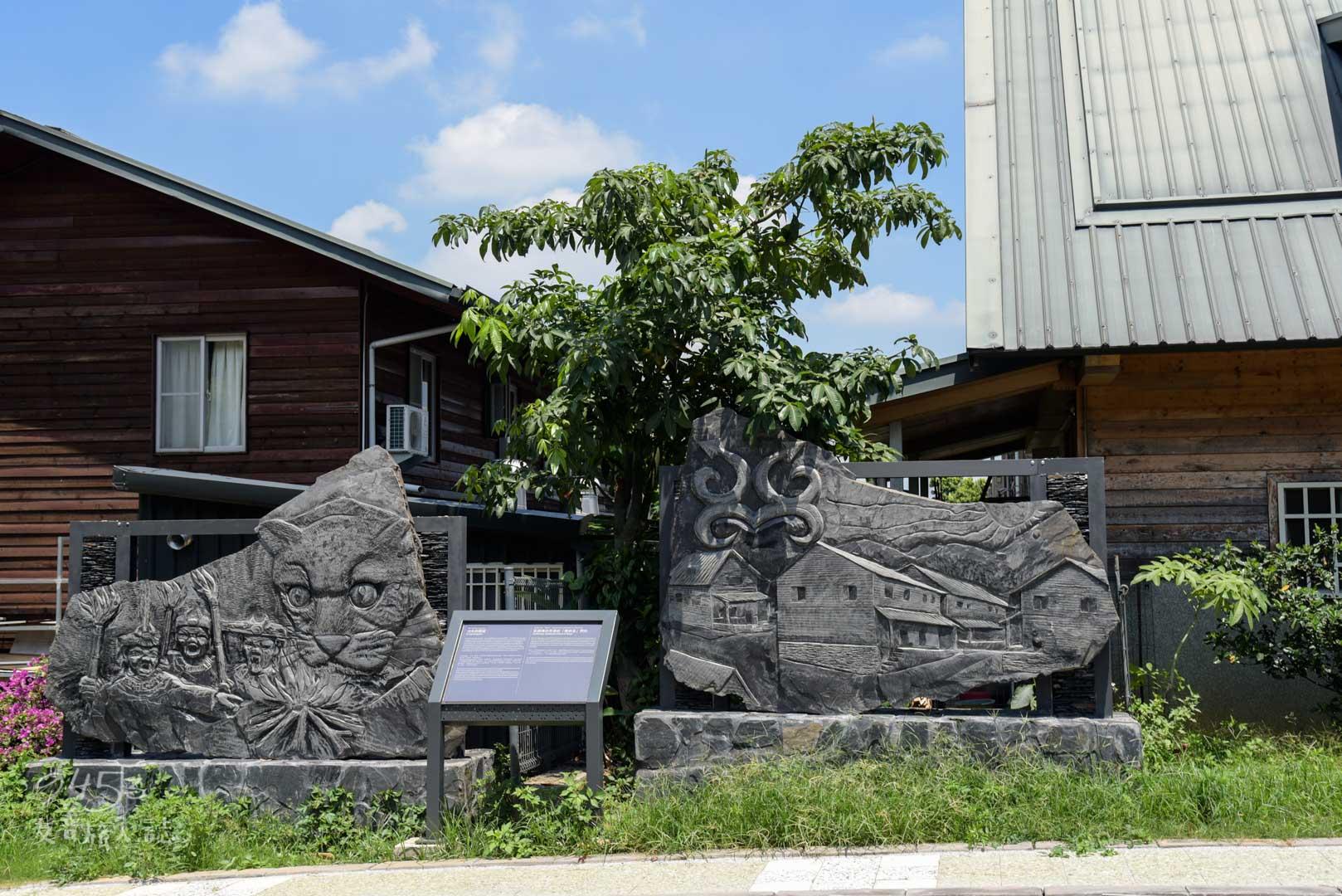 街道旁藝術家雕刻出的藝術作品