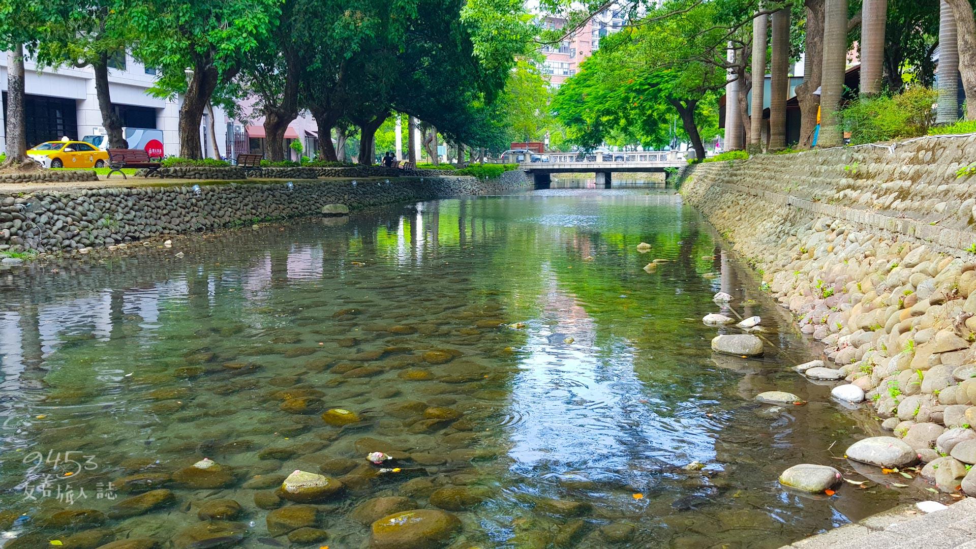 護城河河水