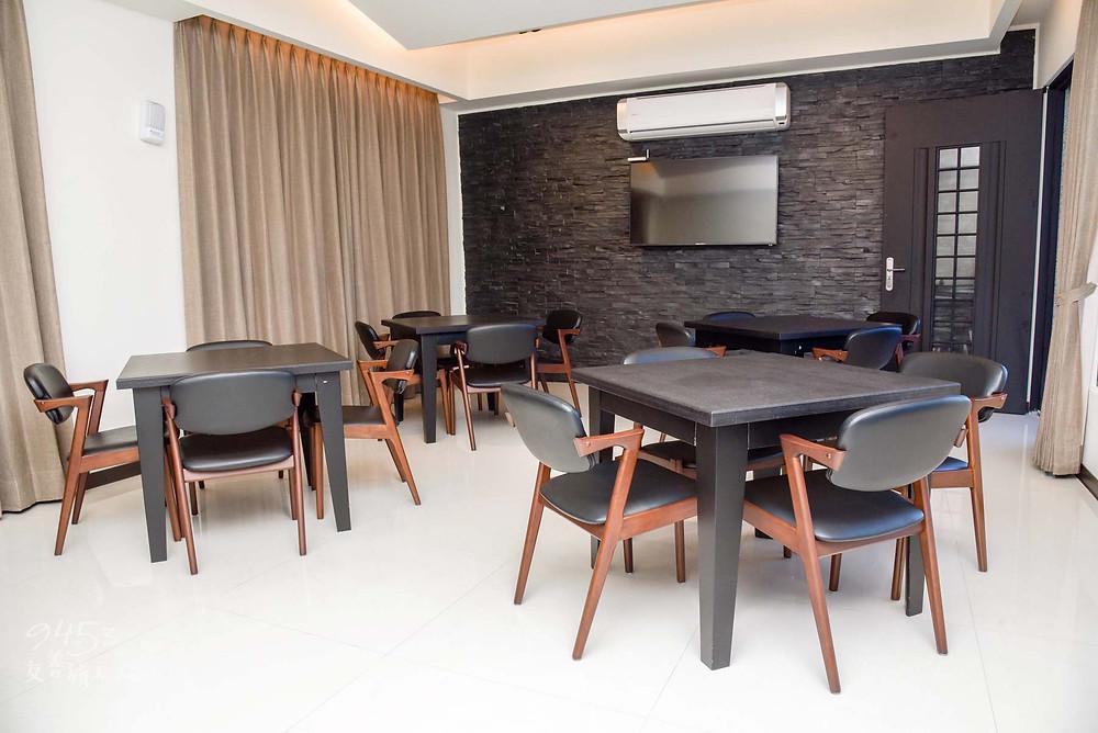 舒適寬敞的餐廳空間