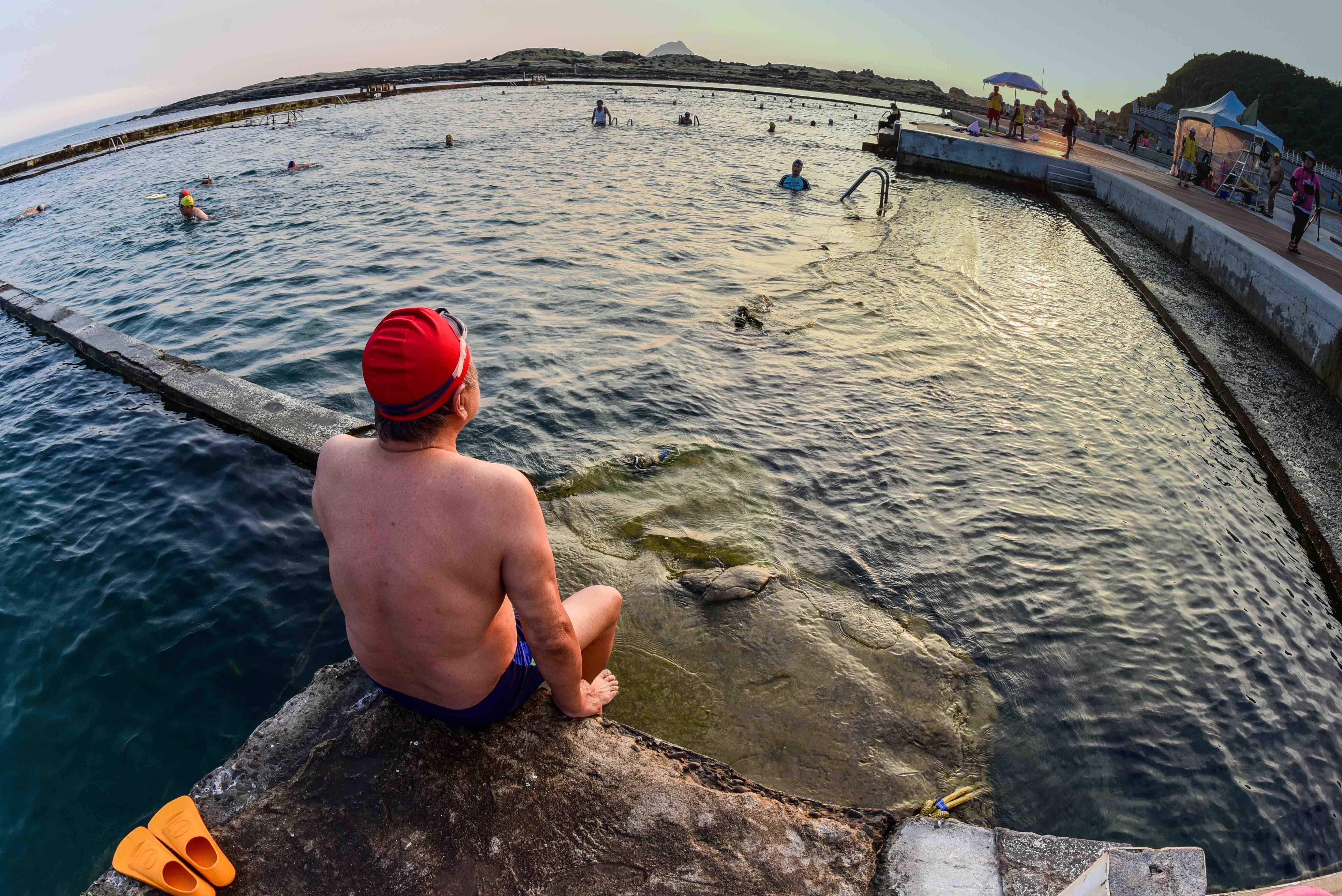 和平島晨泳-3