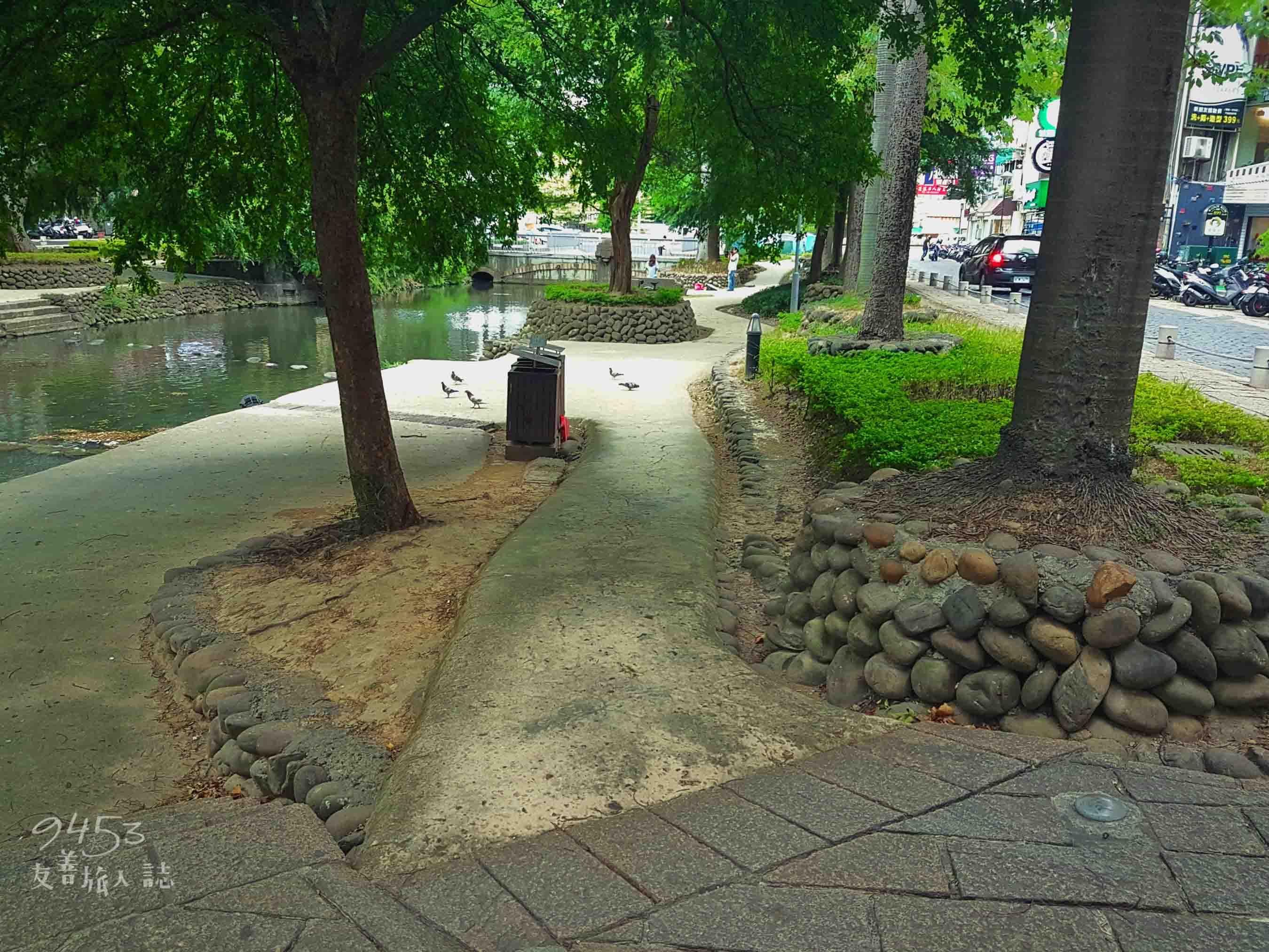 護城河親水公園無障礙通道