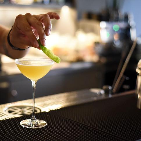 Revive Cocktail Bar Borgo Marinaro Porto Recanati Marche Italia Aperitivi
