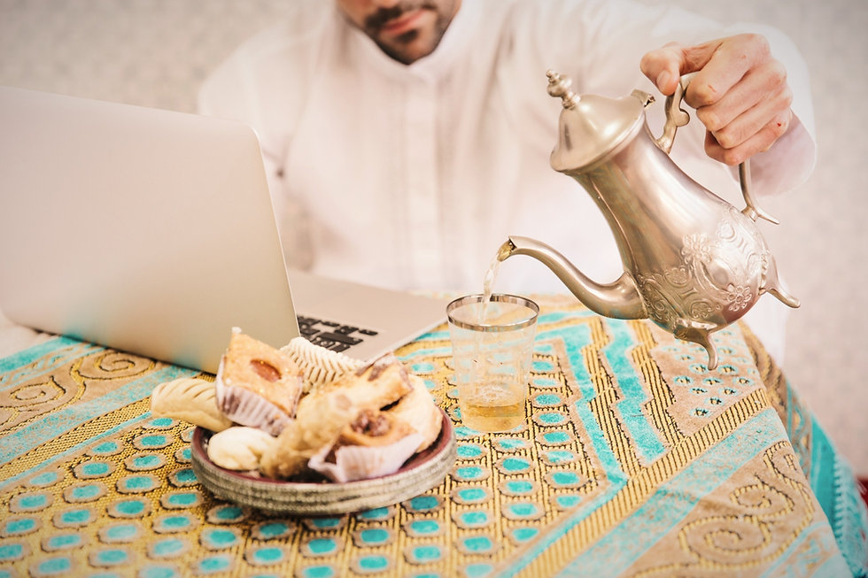 muslim-man-with-food-laptop_edited_edite