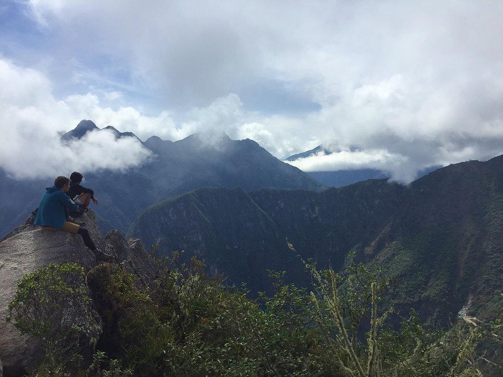 hiking-in-peru-UNMRYPF.jpg