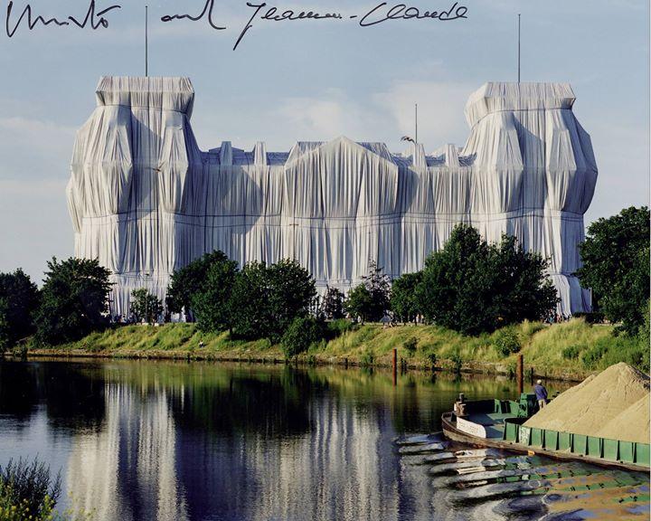 DER CHRISTO-REICHSTAG »Wrapped Reichstag« gegen das Vergessen und die Verdummung — für Ästhetik, Kul