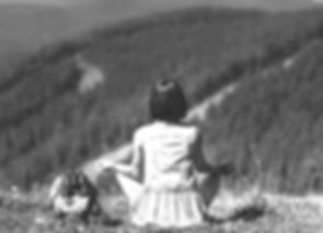 traveler dressed in country style  on nature background_edited_edited.jpg