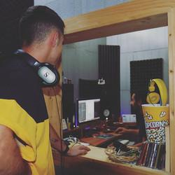 Durante le registrazioni al _browniestud