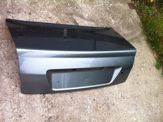 Крышка багажника ВАЗ 2170 ПРИОРА в цвет