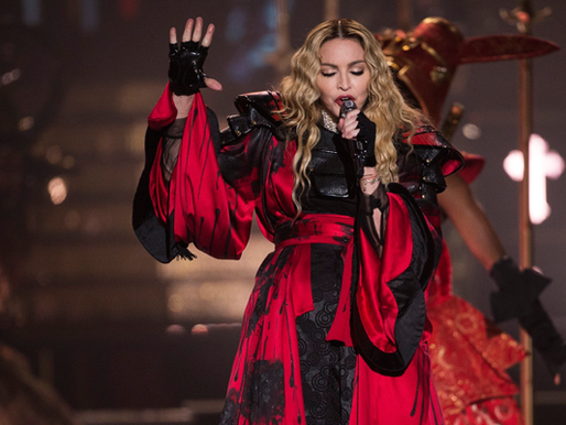 Behind the Scenes: The Rebel Heart Tour, Still in the Game