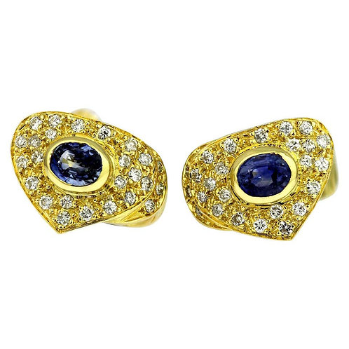 Pair of Clip-On Earrings with Sapphire and Diamonds in 18 Carat Gold