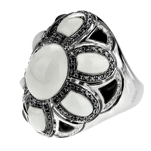 Cocktails Ring with Black & White Diamonds in 18 Karat Gold by Enrico Dani Italy