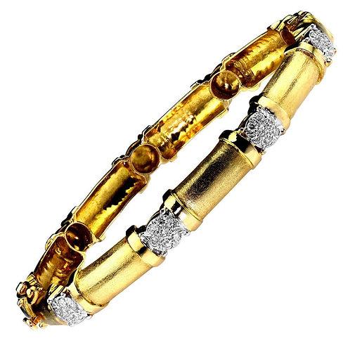 Diamond Bangle in 18 Carat Gold Diamond Clusters with Mesh Finish