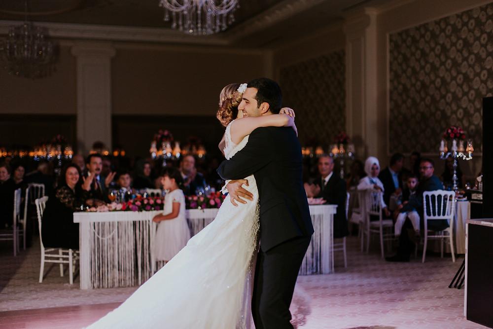 Lüleburgaz İzer hotel düğün fotoğrafları ilk dans