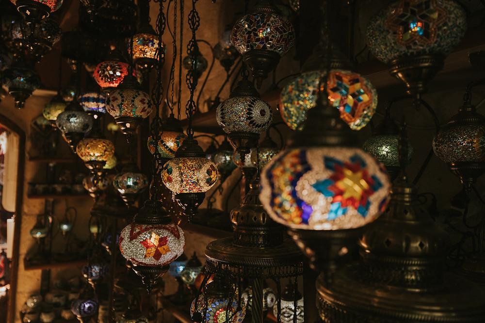 cappadocia couple photographer carpet shop