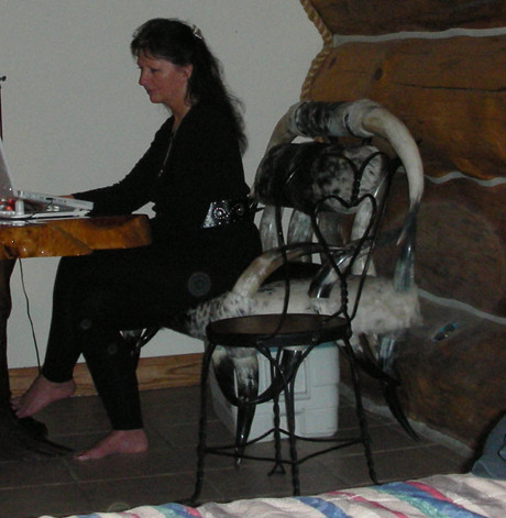 laura-lee-mistycah-in-magick-chair-3