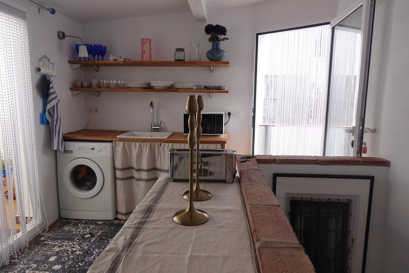 Summer kitchen between 2 roof terraces