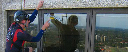 Abseil Rope Access Window Cleaner