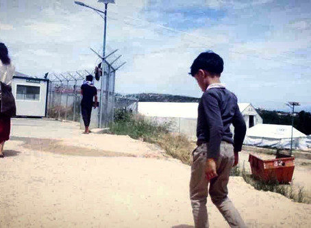 Interview: Staying in the EU Hotspot Vial as unaccompanied minor