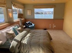 $1,295,000  3 BEDROOM / 2 BATH - END BERTH