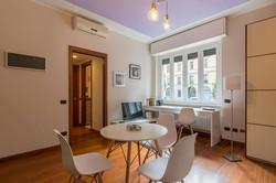 Tavolo e scrivania in camera