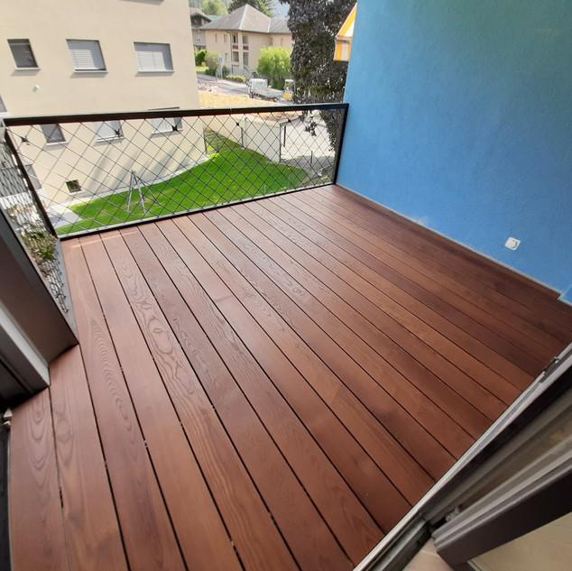 Terrasse en frêne thermo