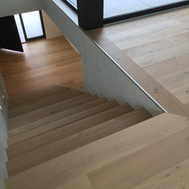 Escalier parquet chêne Bauwerk, Grimisuat