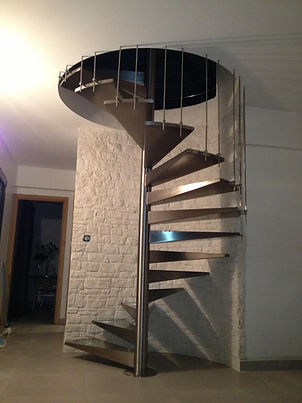 felicelli métallerie  inox 316 brossé  ferronnerie rampe collismaçon helicoidal bonifaccio corse escalier unique