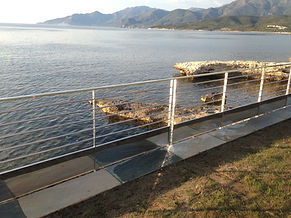 felicelli métallerie  inox 316 poli  ferronnerie rampe saint florent mer montage pied dans l'eau