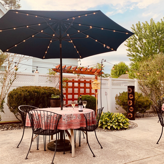 patio with trellis