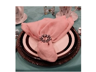 Fabric napkins are perfect for your big day