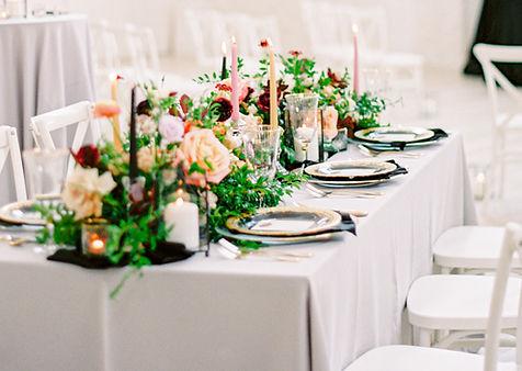 Silver polyester tablecloth napkin renta