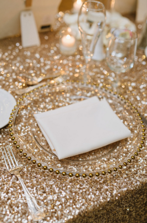 Create beauty among your tables with charger plates   AM Linen ...