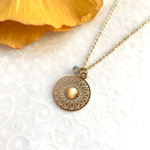 médaillon femme or
